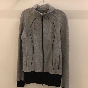 Lululemon gray& black houndstooth jacket sz 10